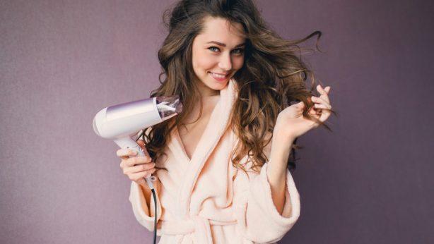 Consigli di bellezza. 4 modi per avere i capelli pieni di volume