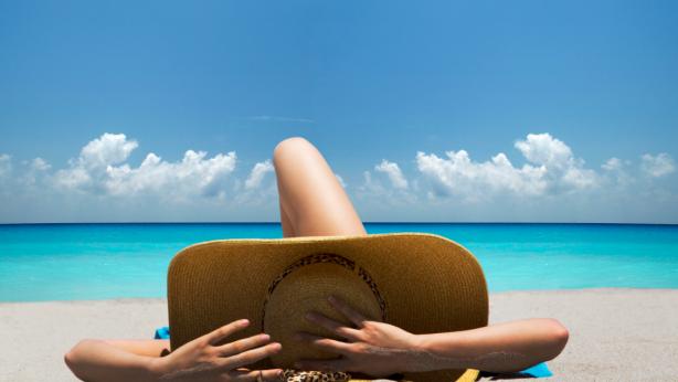 Come si Protegge la Pelle dalle Radiazioni UV senza le Creme SPF?