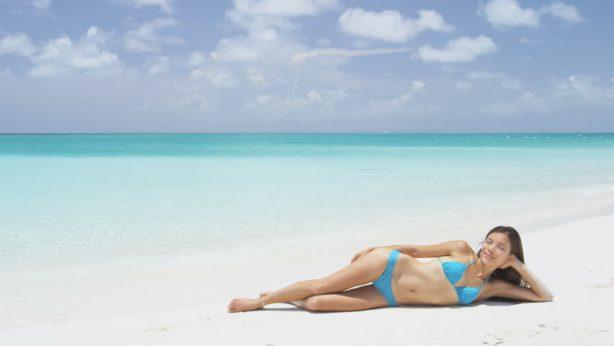 Come abbronzarsi  senza rischi. Proteggiamo la nostra pelle dalle radiazioni UV